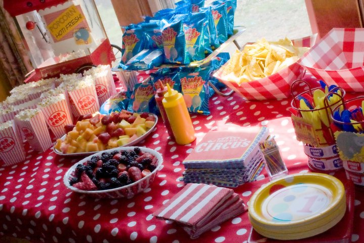 evan s first birthday circus party food