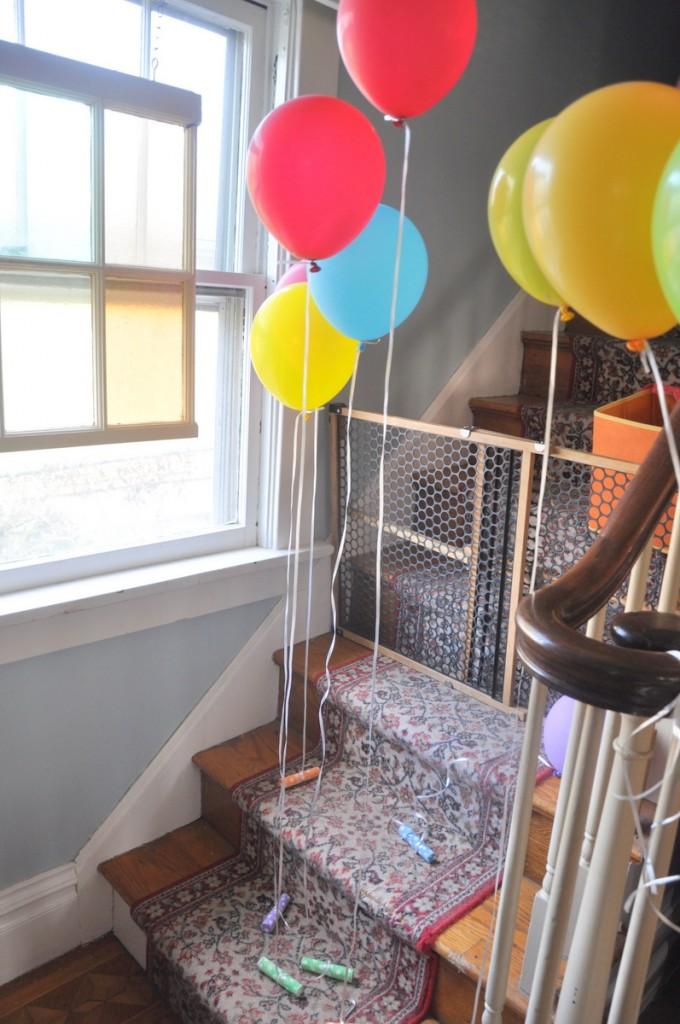 Evan 39 s second birthday decorations bebehblog for Anchor balloon decoration