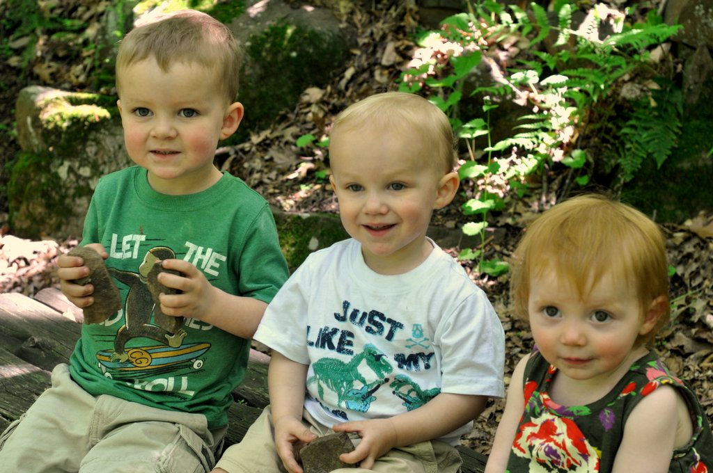 kids at dinosaur state park