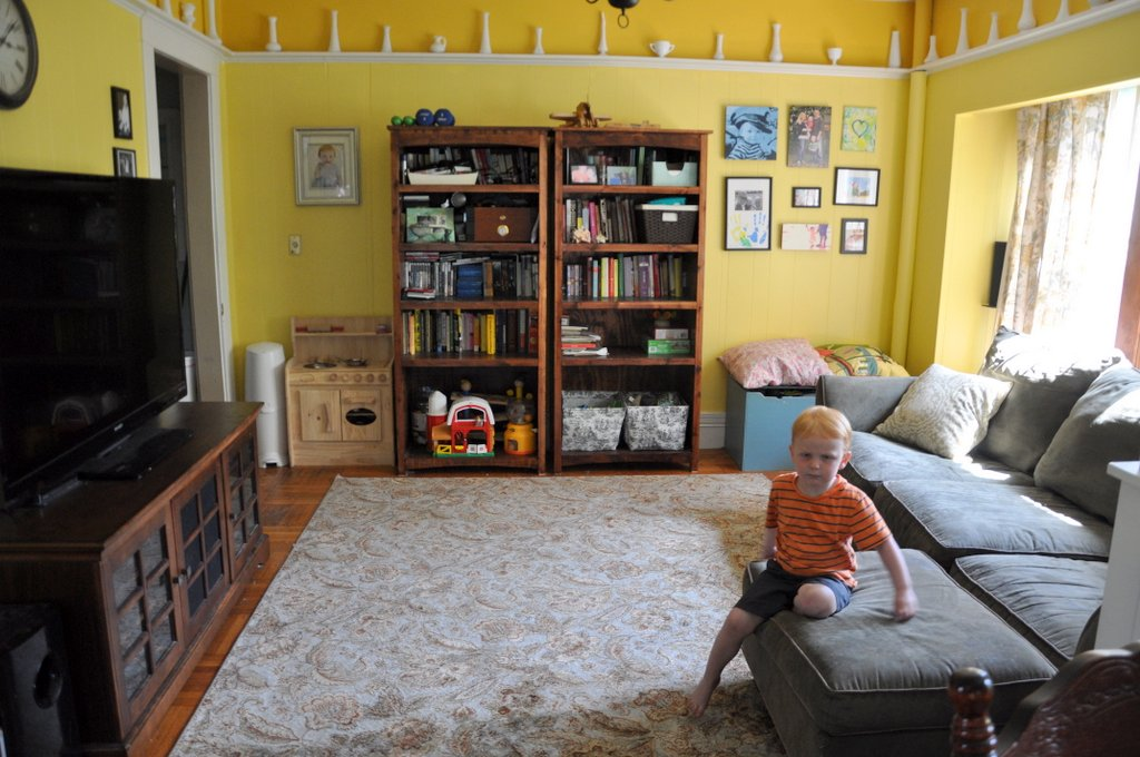 bebehblog home tour yellow family room milk glass collection
