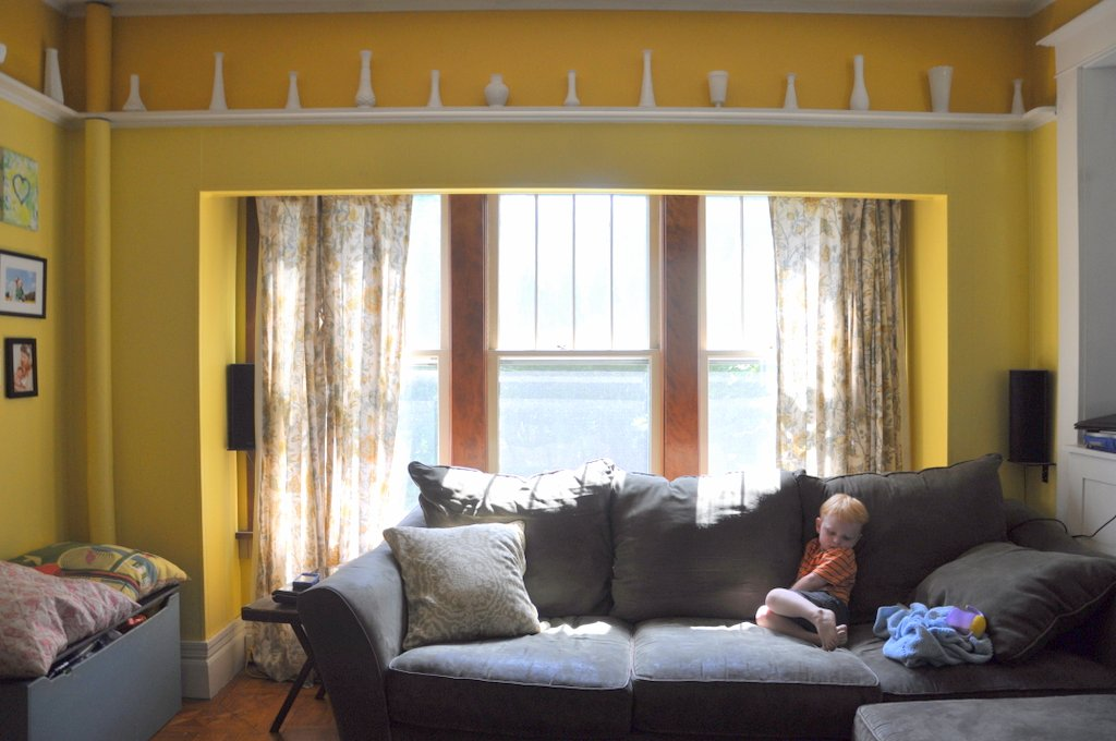 bebehblog home tour yellow family room