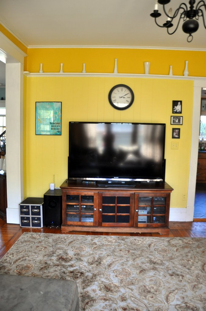 bebehblog home tour yellow family room huge tv