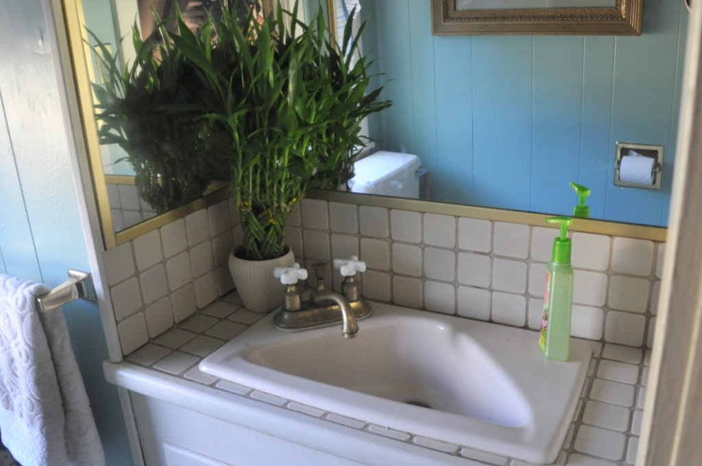 bebehblog home tour triangle sink