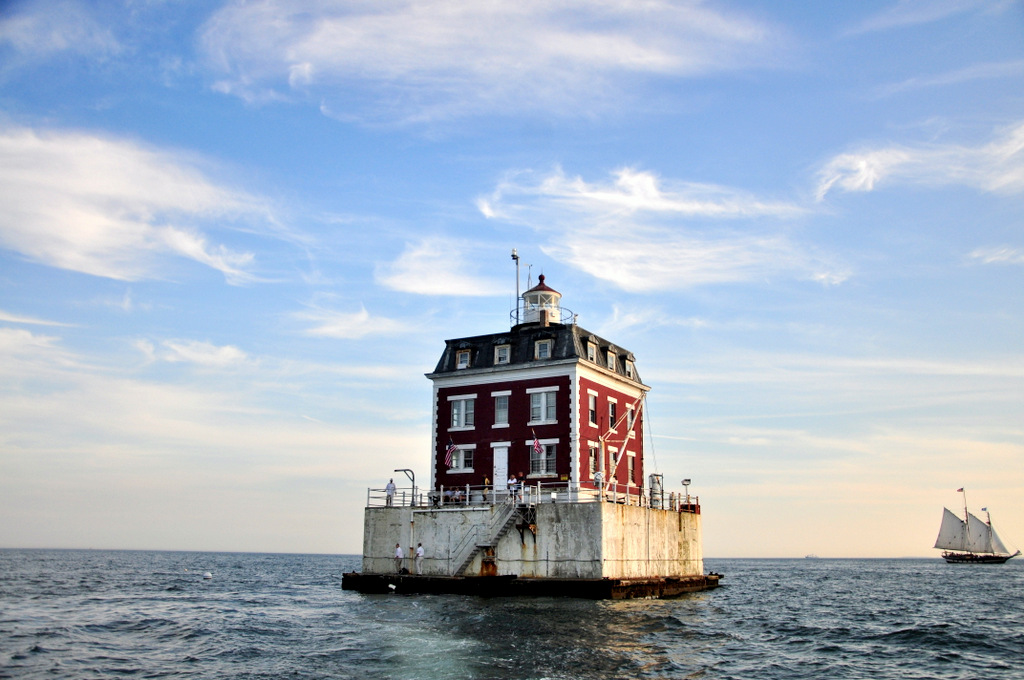 new london ledgelight lighthouse