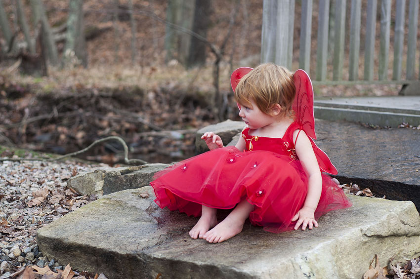 red winter fairy photoshoot