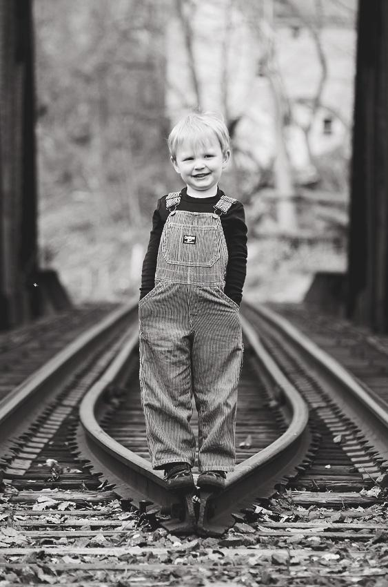 train tracks-36 bw