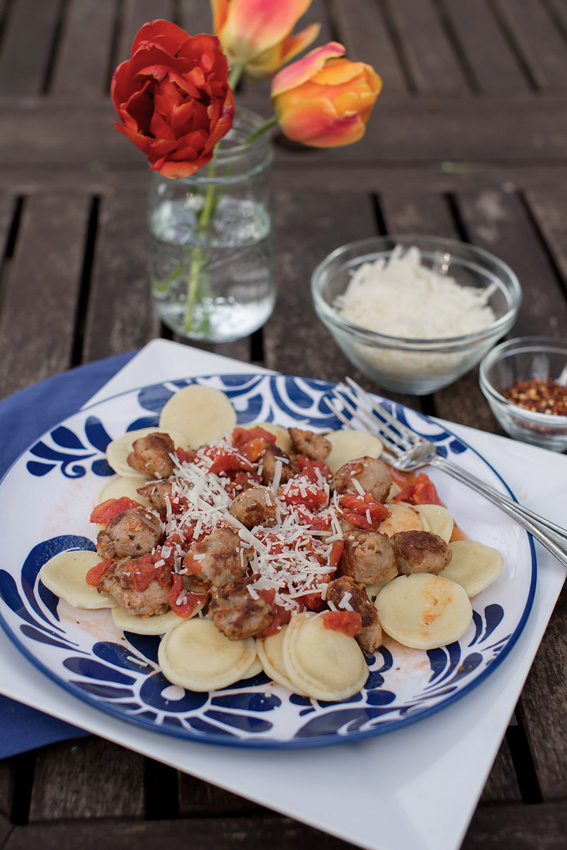 Ravioli with Sausage and Tomatoes @bebehblog