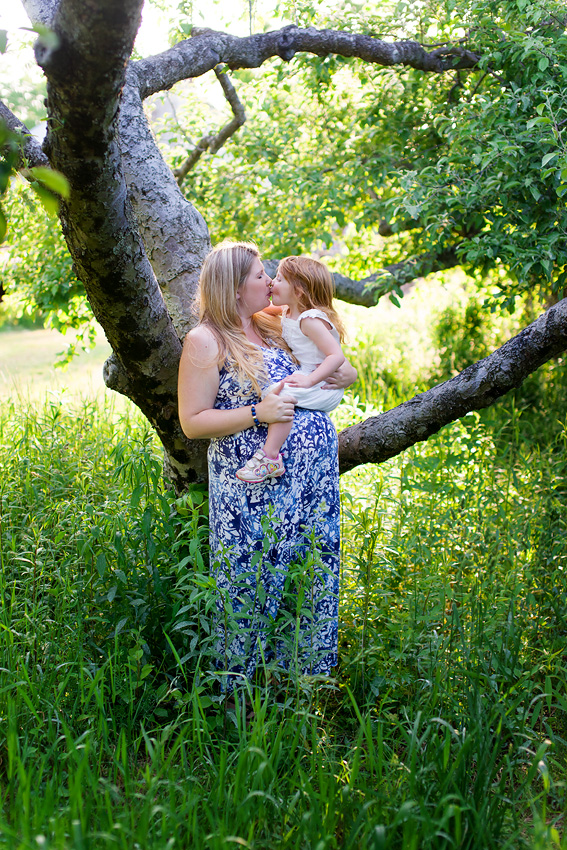 Plus-Size Maternity Photos