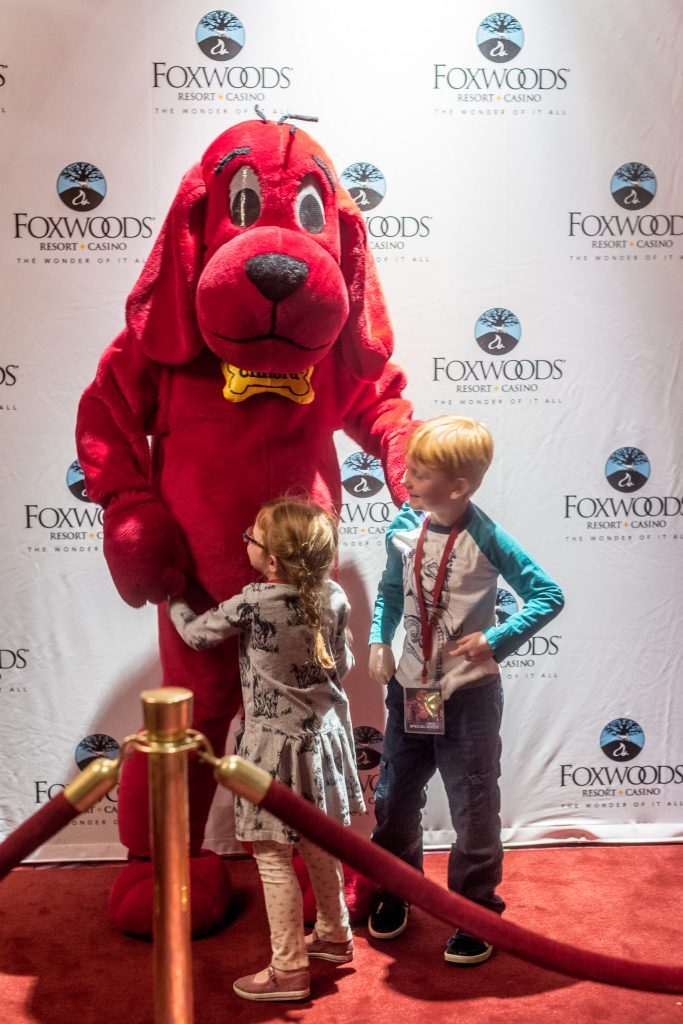 clifford the big red dog at fox theater-2